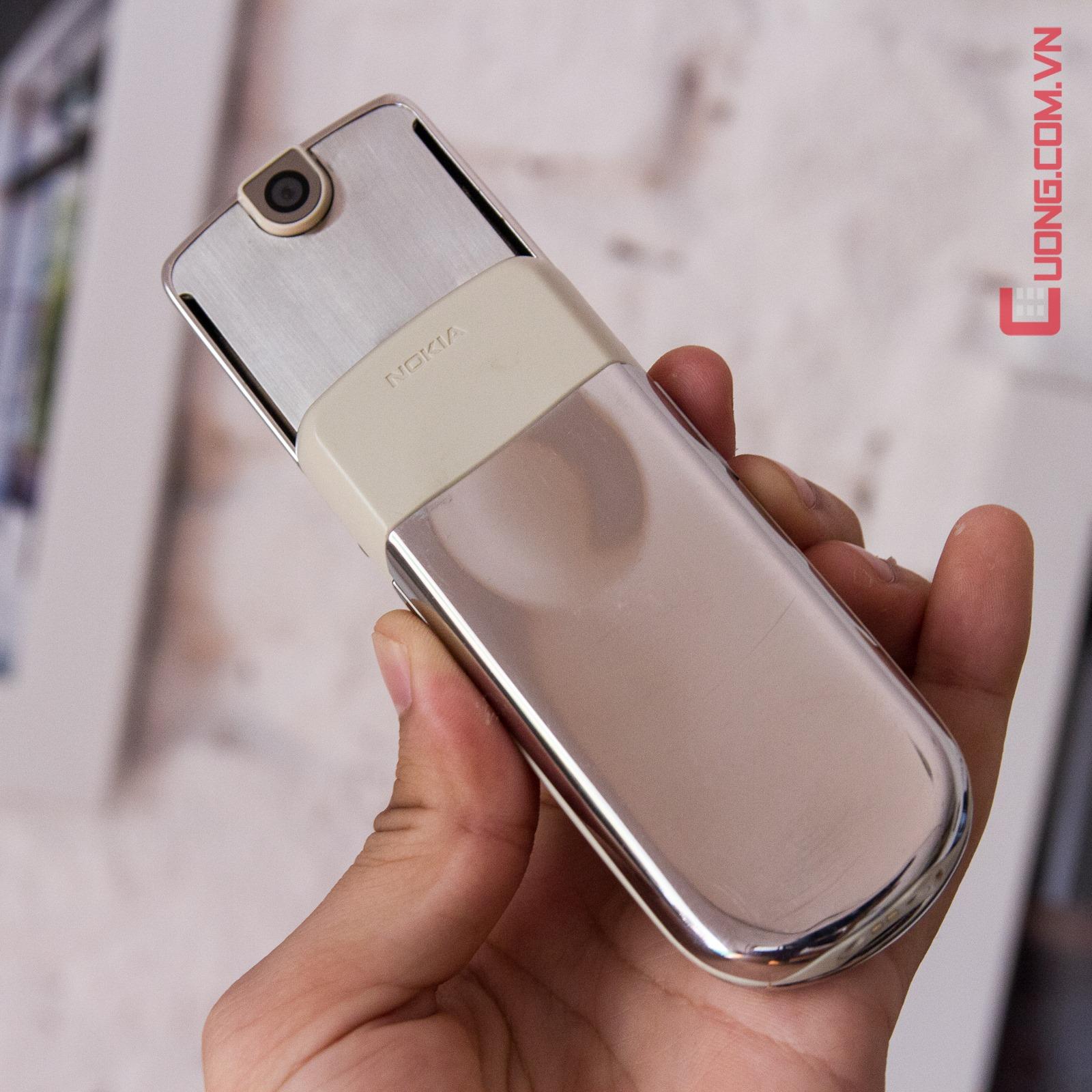 Nokia 8800 Sirocco Light như chiếc gương thu hút mọi ánh nhìn