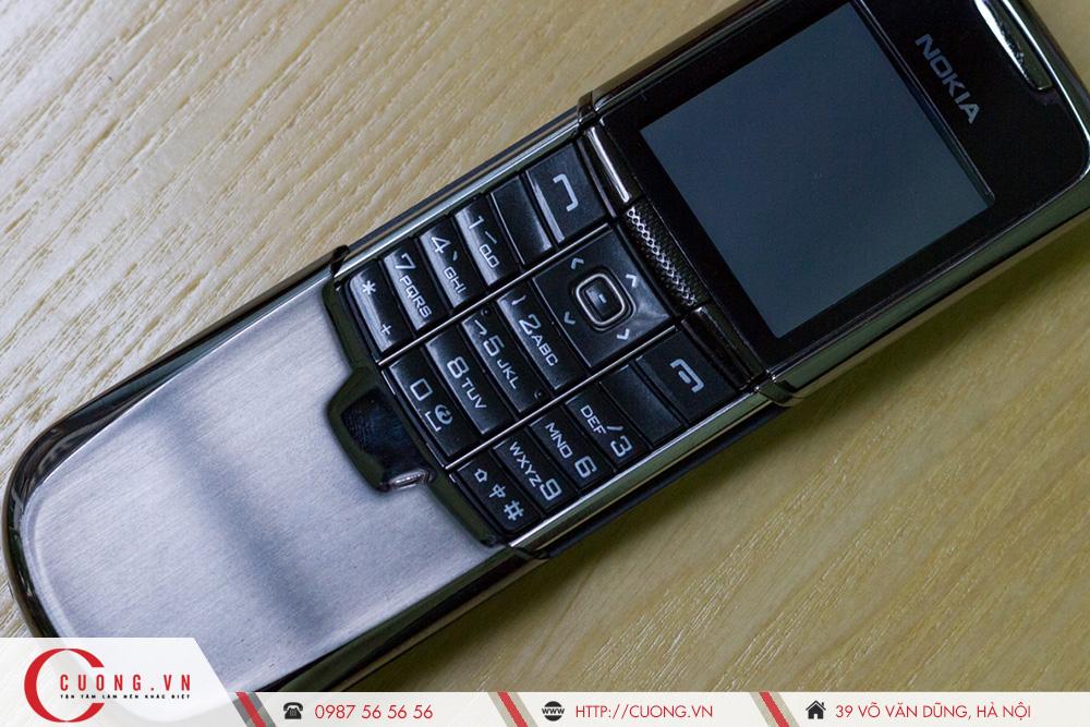 Chiếc điện thoại Nokia 8800 đời đầu là gì?